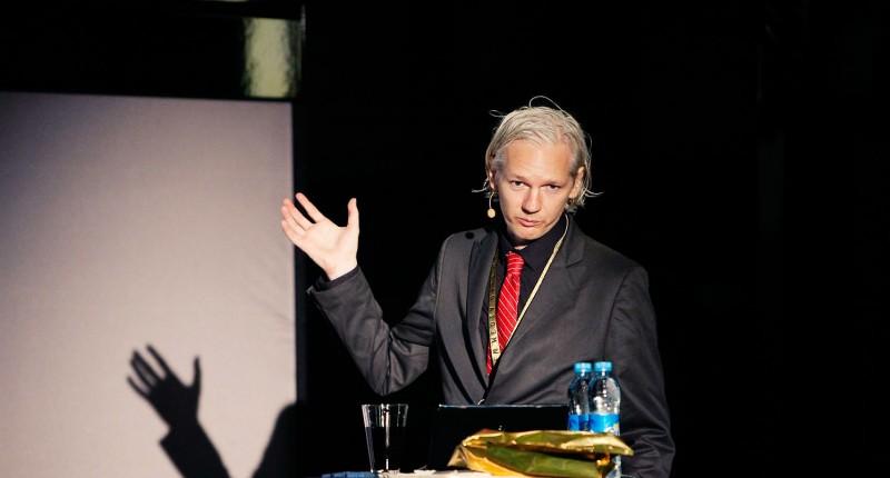 05.We Steal Secrets: The Story of WikiLeaks (2013)